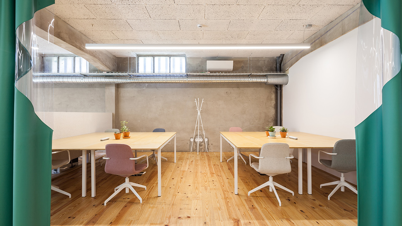armazem-cowork-studio-four-eight-desks